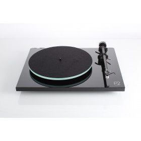 Rega  Planar 2 Turntable with Carbon cartridge
